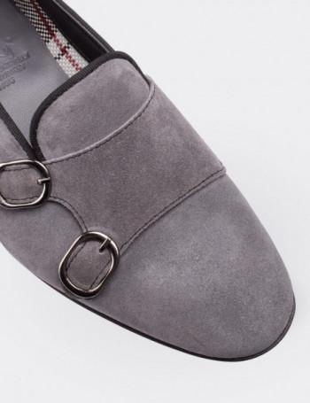 Hakiki Süet Gri Çift Tokalı Kadın Ayakkabı