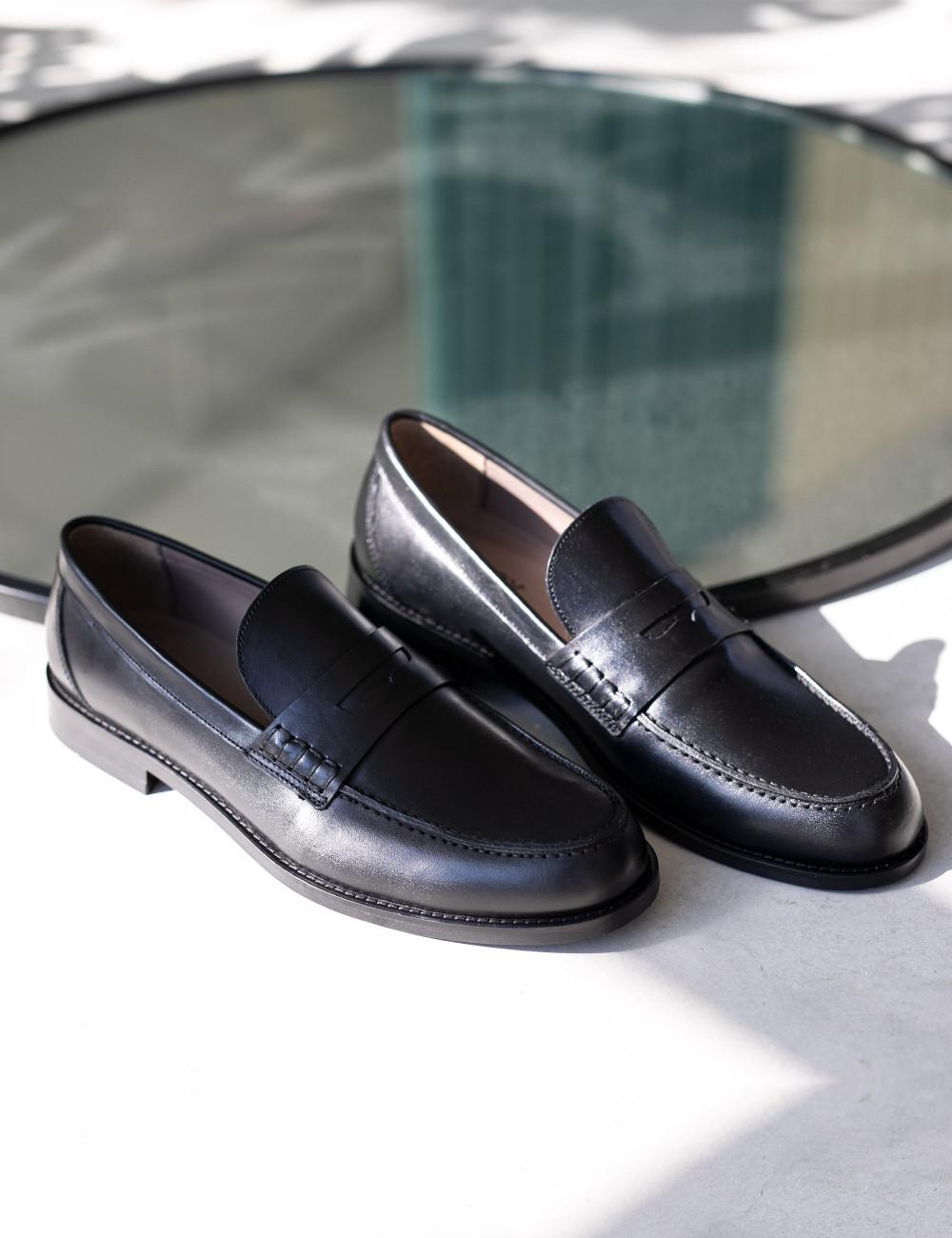 Hakiki Deri Siyah Loafer Erkek Ayakkabı - 01538MSYHM02