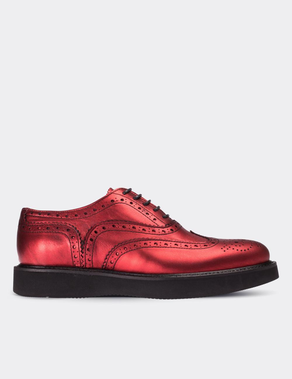 ee38eedeb3c8c Hakiki Deri Kırmızı Finisajlı Oxford Kadın Ayakkabı - 01418ZKRME02