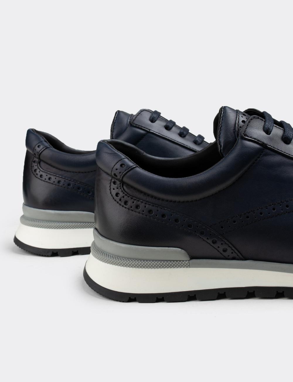 Hakiki Deri Lacivert Erkek Sneaker - 00750MLCVT02