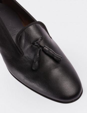 Hakiki Deri Püsküllü Siyah Kadın Loafer