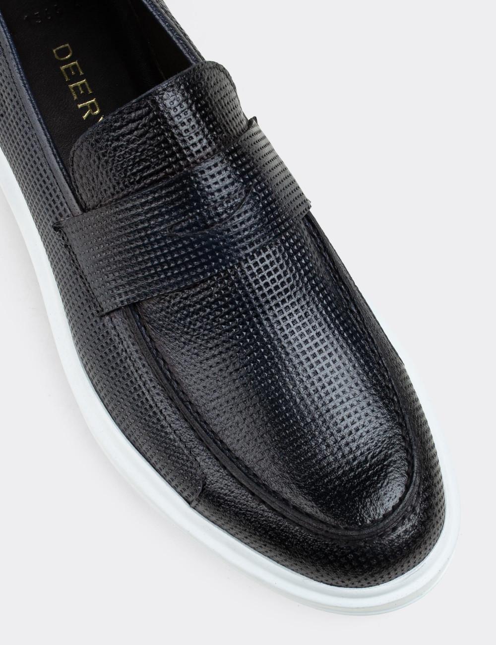 Hakiki Deri Lacivert Desenli Erkek Loafer - 01564MLCVP10