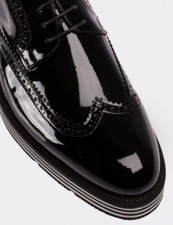 Hakiki Rugan Siyah Günlük Erkek Ayakkabı