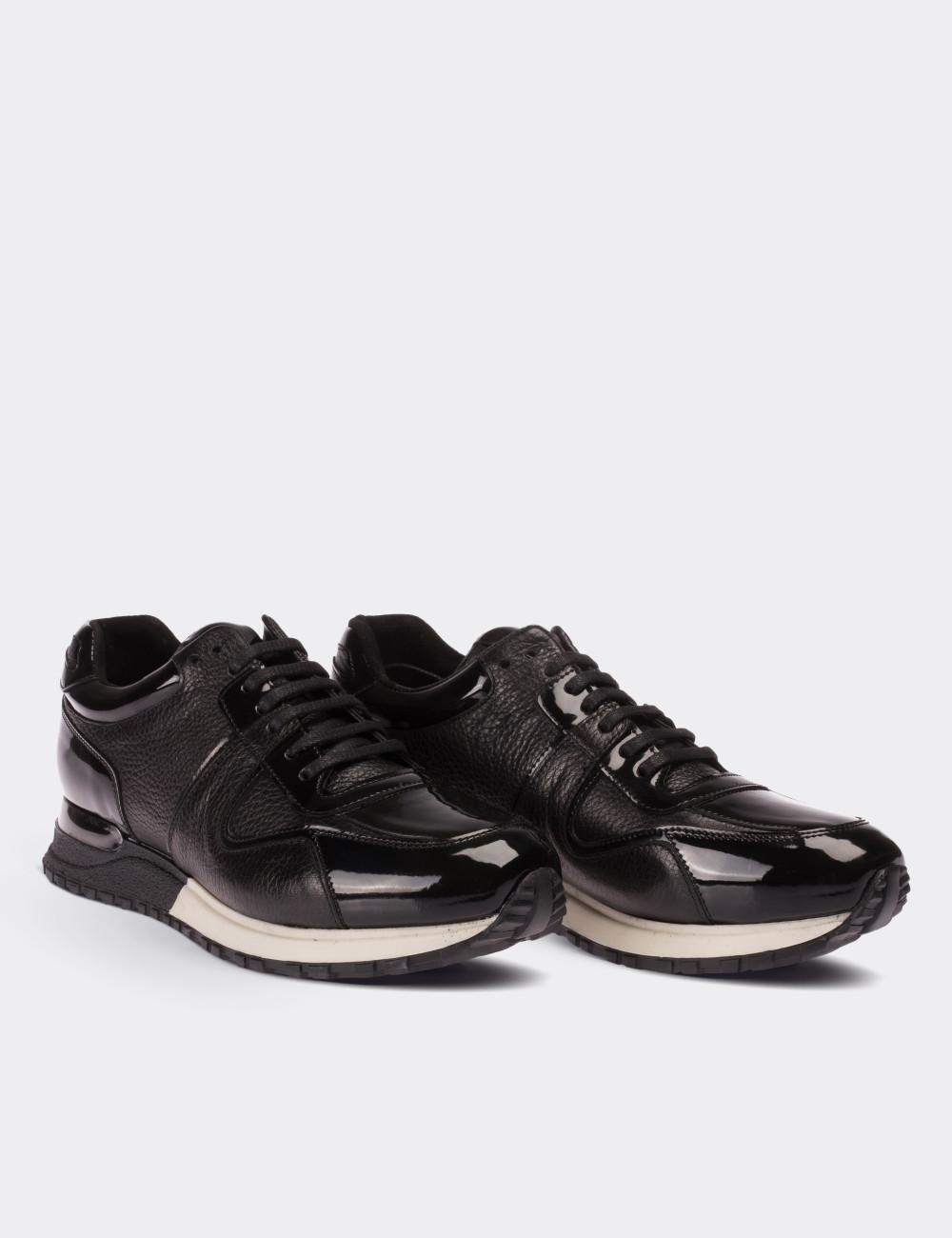 Hakiki Deri Siyah Spor Erkek Ayakkabı - 01522MSYHT03