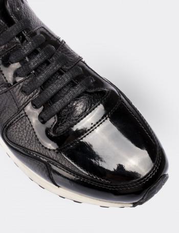 Hakiki Rugan Siyah Spor Kadın Ayakkabı