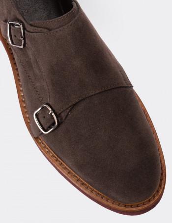 Hakiki Süet Kahverengi Çift Tokalı Kadın Ayakkabı