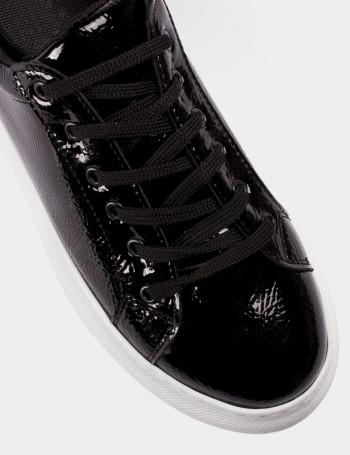 Siyah Rugan Kadın Sneaker Ayakkabı