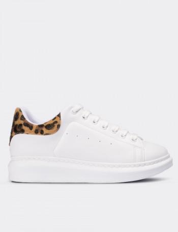 Beyaz Leopar Desenli Sneaker Kadın Ayakkabı