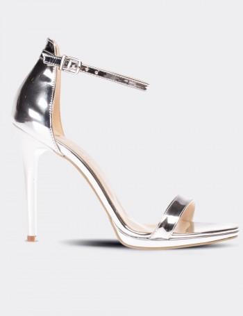 Gümüş Rengi Topuklu Kadın Ayakkabı