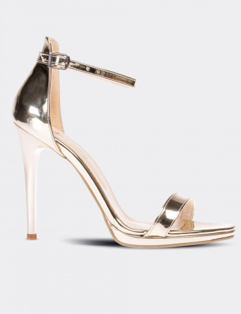 Altın Rengi Topuklu Kadın Ayakkabı