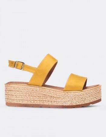 Sarı Kadın Sandalet