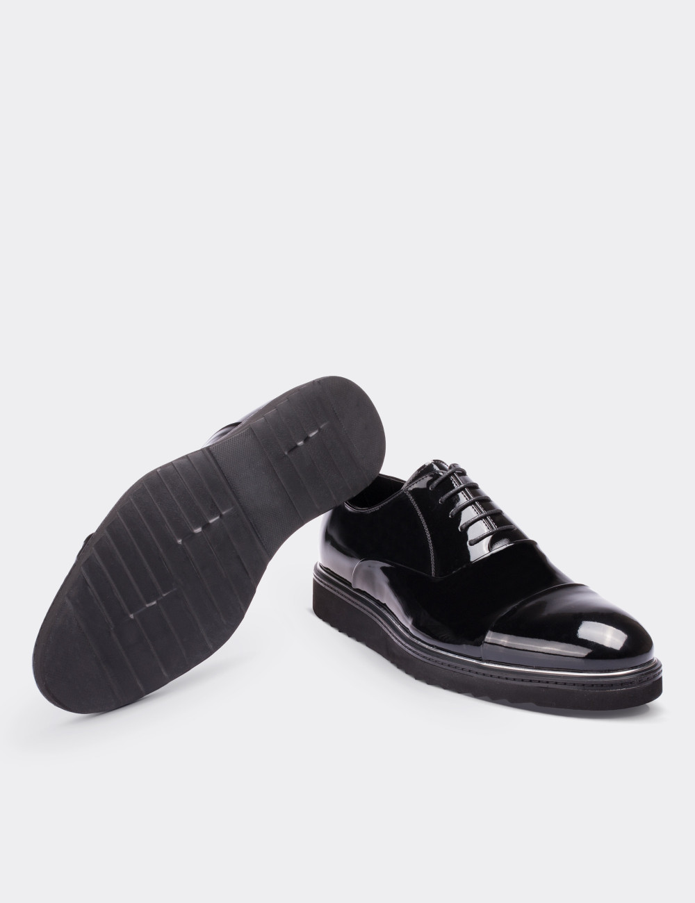 Hakiki Rugan Siyah Günlük Erkek Ayakkabı - 01590MSYHE02