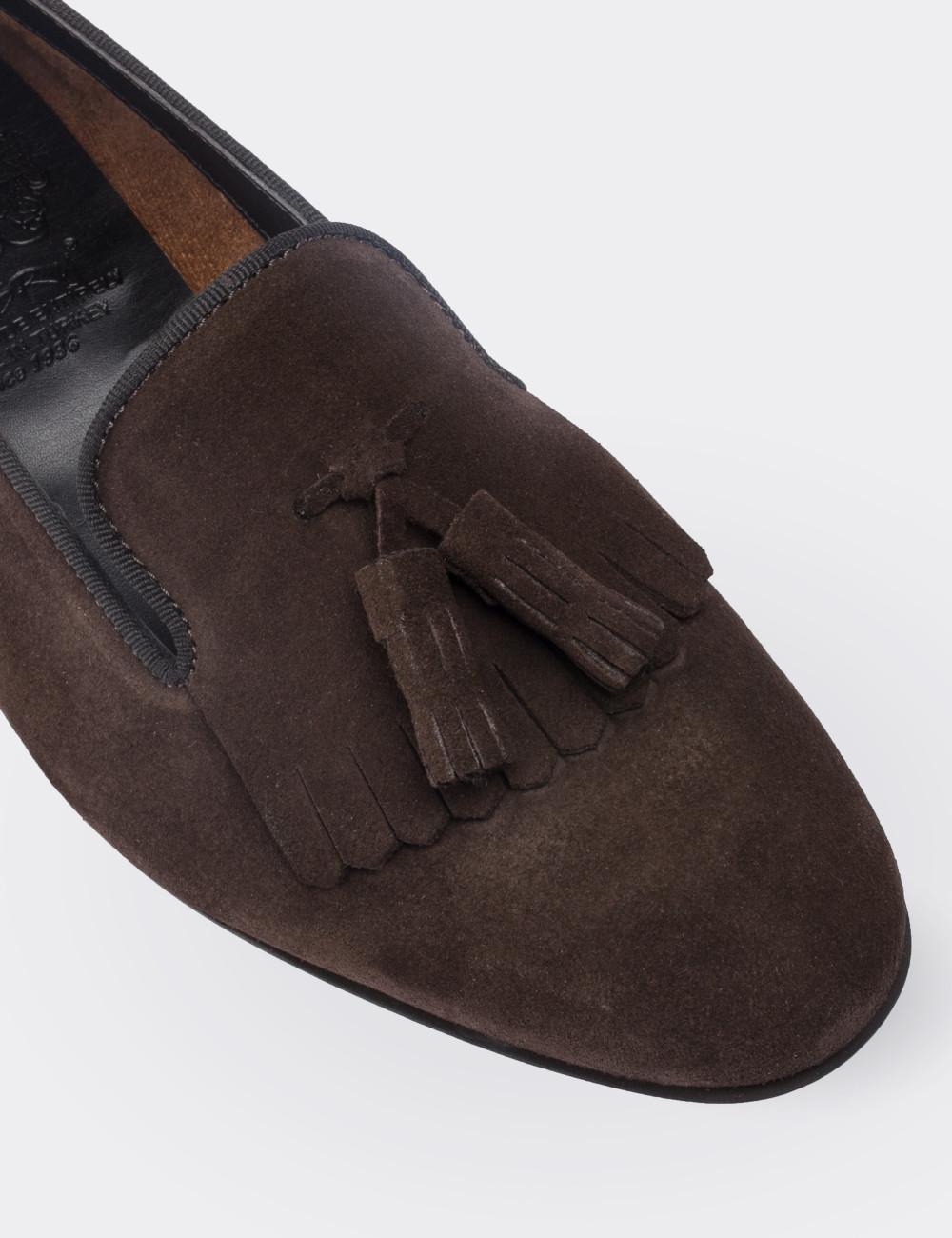 Hakiki Deri Kahverengi Süet Püsküllü Kadın Ayakkabı - 01612ZKHVM01